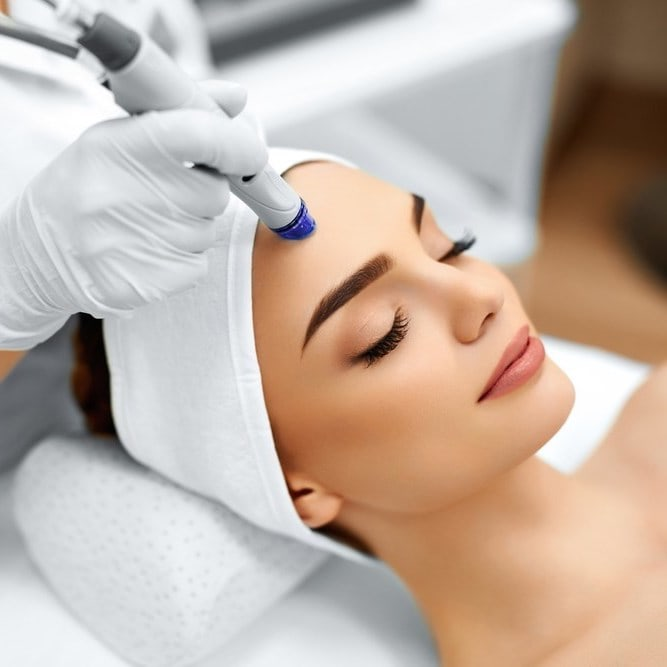 Cosmetology - Purifying Hydra Facial